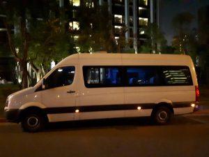台中包車旅遊車款-十二人座福斯大T保母車